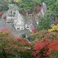 展望台のさらに上の鎮守堂からの紅葉